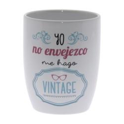 Original Taza de Cerámica decorada con la frase - Yo no envejezco, me hago vintage